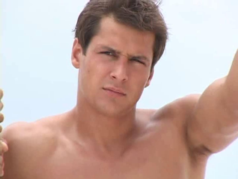 ゲイエロ動画|白銀のビーチサイドでイケメン3人組が華麗なポーズで写真撮影!|完全無修正